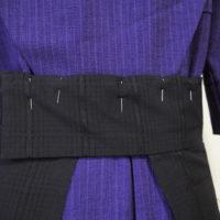 アーミッシュの女性の服に「針」がたくさん付いている理由